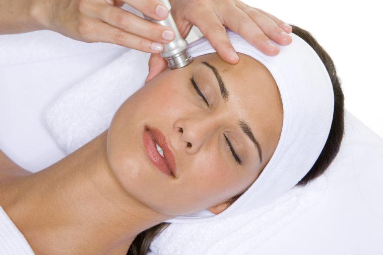 tratamiento facial dermoabrasión skinlight